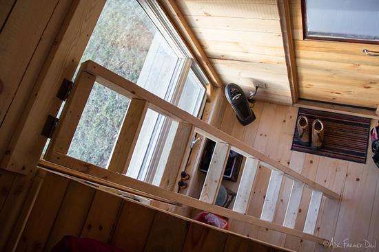 tiny-house-loft
